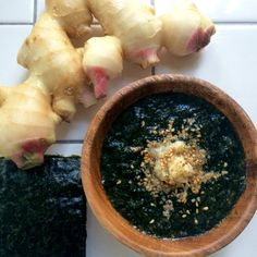 Miso soup of toasted laver, ginger and golden sesame/焼き海苔、ショウガ、金ゴマのお味噌汁