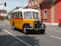 100 Jahre Postauto, 13 Mai 2006 Aarberg. Hear the three-note horn.
