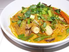 Vegetarian Khao Soi (Northern Thai Coconut Curry Noodles) - Mayabugs's Recipes