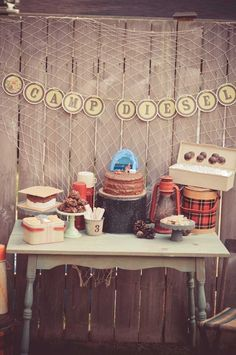 Thought this was cute, Andrea. It says it's for boys, but could easily make it more girly > Vintage Camping Birthday {Boy Party Ideas} - Spaceships and Laser Beams Winter Birthday Parties, Birthday Party Themes, Birthday Ideas, Theme Parties, Camping Parties, Camping Theme, Retro Camping, Camping Life, 3rd Birthday Boys