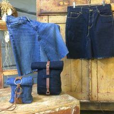 Jeans som fått hål på knäna, är litet slitna i rumpan eller där fickornas innertyg gått sönder kan lätt återvinnas och formas om till nya kläder, väskor och textilier för omklädnad. Här får du tips av experter och tittare som  deltog i Rester och gäster på Strömsö.
