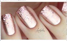 Metallic, glitter peach/mauve nail design!