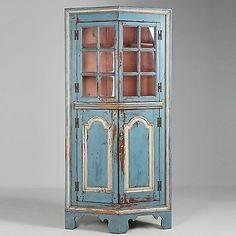 American Chippendale Raised Panel Corner Cabinet, Eastern Shore c. Corner Hutch, Raised Panel, Soapstone, 18th Century, Painted Furniture, Turkey Breast, Cabinet, American, Antiques