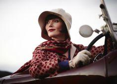 Essie Davis : « Miss Fisher, c'est James Bond au féminin »