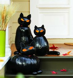 I love these -- some can easily work for both Halloween and Thanksgiving/Autumn -- 20 EASY Halloween pumpkin craft ideas