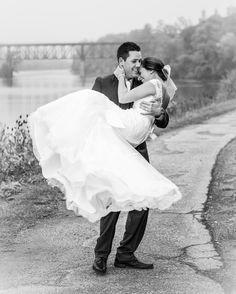 More misty wedding days please.  #foggyday  #foggywedding #atmosphere #weddinglife #weddingsofinstagram #huffpostweddings #anneedgarphoto #pearlemoments