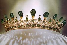 Queen Victoria's emerald tiara, designed for her by Prince Albert.  -Tiara Mania