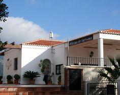 """#Málaga - #Mijas - Oficina de Turismo de Mijas Pueblo  Coordenadas GPS: 36º 35' 44"""" -4º 38' 11"""" / 36.595556, -4.636389  Situada frente al Ayuntamiento y a la típica para de los """"burro-taxis"""" que recorren la localidad, se ubica esta oficina de turismo de esta villa que se encuentra situada a 428 metros de altitud, en la falda de la sierra de Mijas y desde la que se asoma al mar Mediterráneo."""