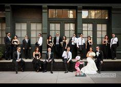 Hilarisch! Deze bruidsparen werden briljant gefotobombed