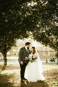 This Atlanta wedding proves that you can create a dreamy and romantic wedding escape in the middle of the city | Image by Kayla Johnson Photo