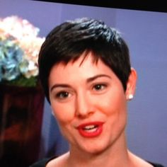 """love her hair... she is the new consultant on """"Say Yes To The Dress"""" - looks so pretty on her!"""