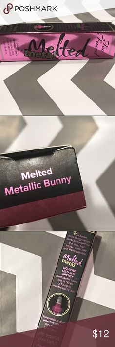 Too Faced Melted Metal Metallic Bunny Reinvent your lip looks with Melted Metal liquefied-metallic lipstick in a tube. Too Faced took the 90's foiled statement lip and reinvented it to create the glazed look of liquefied metal for next-level and wearable, multifaceted lip color.Featuring a precision-tip applicator that allows for a clean, effortless application each time, it comfortably coats lips in bursts of color—from soft gilded corals to iridescent plums to dazzling pinks—swiping on…