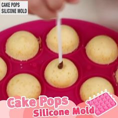 Cakes To Make, Cake Pops How To Make, Cakepops, Cake Pops Form, Easy Deserts To Make, Cake Pop Molds, Chocolate Covered Treats, Chocolate Drip Cake, Baby Shower Cake Pops