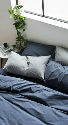 Most up-to-date Totally Free Farmhouse Bedding sheets Ideas Farmhouse style bedding features a certain feel to it. Light, clean , crisp, neutral and rustic are Blue Bed Sheets, Blue Bedding Sets, Navy Bedding, Fitted Bed Sheets, Cotton Bedding Sets, Queen Bedding Sets, Luxury Bedding Sets, Sheets Bedding, Farmhouse Style Bedding