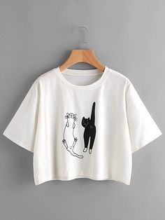 To find out about the Cat Print Crop Tee at SHEIN, part of our latest T-Shirts ready to shop online today! Crop Top Und Shorts, Crop Top Outfits, Crop Tee, Cute Outfits, Crop Top Et Short, Short Tops, Long Sleeve Crop Top, Tee Courts, Kids Fashion Boy