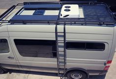 "65 gilla-markeringar, 2 kommentarer - El Kapitan Van Conversion (@el_kapitan_vans) på Instagram: ""RV Gear Hauler Roof Rack #elkapitan #vanconversion #aluminess #roofrack #mercedes #sprinter #van…"""