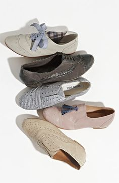 loves me some oxfords. and def. want these ribboned bow ties :)