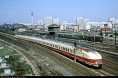 RailPictures.Net Photo: 175 018 Deutsche Reichsbahn 175 at Berlin, Germany by J Neu, Berlin