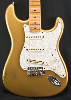 Fender 00 Gold 57 Reissue Strat