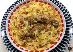 Μια δοκιμασμένη συνταγή ετών που θα λατρέψετε! Τα μυστικά της γιαγιάς στην κουζίνα! Μοσχαράκι της γιαγιάς μια συνταγή μούρλια! Greek Recipes, Macaroni And Cheese, Spaghetti, Food And Drink, Cooking Recipes, Pasta, Beef, Meals, Ethnic Recipes