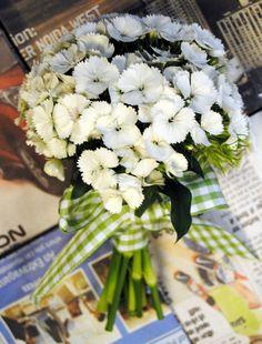 Bouquets - Daisy Chain Kinsale Weddings