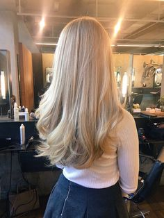 Golden Blonde Balayage for Straight Hair - Honey Blonde Hair Inspiration - The Trending Hairstyle Pretty Hairstyles, Blonde Hairstyles, Wedding Hairstyles, Blonde Hair Looks, Thick Blonde Hair, Grunge Hair, Hair Dos, Gorgeous Hair, Dyed Hair