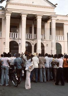 Malabo, (Guinea Ecuatorial), 20-8-1979.- Exterior del Palacio Presidencial, era la antigua Camara Agraria, en Malabo donde ha vuelto la normalidad tras la caida del gobierno de Macías. EFE/ aalafototeca.com Image : efesptwo084894