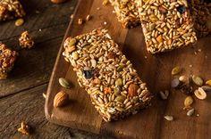 La barretta ai semi e quinoa sarà una soluzione perfetta, ma soprattutto golosa, per iniziare la vostra giornata con una colazione vegan carica di energia. Se non sapete mai cosa mangiare per lo spuntino di metà mattina o per la merenda, la barretta ai semi e quinoa saprà placare il senso di fame con un'esplosione … Continued
