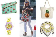 Print frutal en todos sitios: bolsos, pañuelos.. Tote Bag, Fashion, Totes, Clothing, Spring Summer 2016, Color Combinations, Accessories, Style, Moda