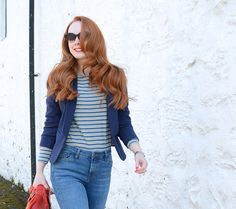 I will always love Bretons and blazers Smart Casual Outfit, Casual Outfits, Redhead Fashion, Snow Outfit, British People, Super Skinny Jeans, White Tops, How To Wear, Beauty