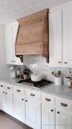 Wooden Kitchen, Kitchen Redo, Kitchen Dining, Kitchen Remodel, Kitchen Ideas, Kitchen Island, Kitchen Vent Hood, Küchen Design, House Design