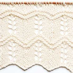 Point de flèches ajourées - Arrow lace stitch — trust the mojo Summer Kimono, Lace Shorts, Arrow, Shawl, Stitch, Blanket, Diy, Trust, Chrochet