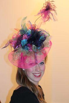 Voor meer hoeden zie facebook carnavalshoeden, allen handgemaakt