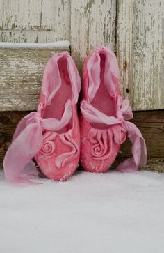 Pink felted wool slippers <3