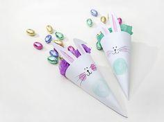 DIY-Anleitung: Geschenkverpackung mit Hasengesicht basteln / gift wrapping idea for Easter holidays via DaWanda.com