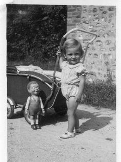photographie anonyme vintage snapshot jouet toy poupée poussette pushchair | Collections, Photographies, Autres | eBay!