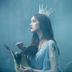 Foto Fantasy, Fantasy Dress, Fantasy Girl, Queen Aesthetic, Princess Aesthetic, Aesthetic Girl, Fantasy Photography, Girl Photography, Applis Photo
