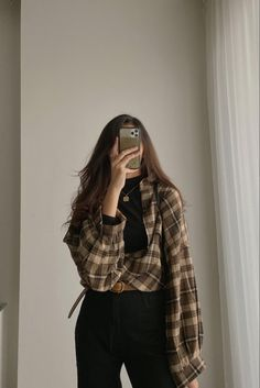 Korean Casual Outfits, Korean Outfit Street Styles, Retro Outfits, Cute Casual Outfits, Simple Outfits, Korean Girl Fashion, Ulzzang Fashion, Korean Street Fashion, Look Fashion