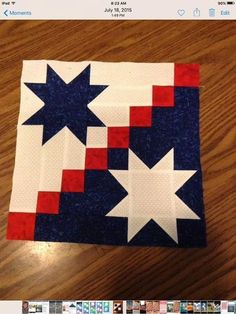 Tutoriel gratuit - Édredon Stars and Stripes par Carol Thelen - patriotic Flag Quilt, Patriotic Quilts, Star Quilt Blocks, Star Quilts, Barn Quilt Designs, Barn Quilt Patterns, Quilting Designs, Patchwork Quilting, Scrappy Quilts