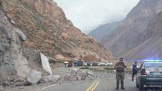 VIDEOS: MAS DE 20 SISMOS EN SAN JUAN Y MENDOZA ESTE DOMINGO Y LUNES   Cómo se vivió el terremoto en Mendoza y San Juan Los usuarios publicaron en las redes sociales imágenes de los temblores. No se registraron grandes daños ni tampoco heridos. El fuerte sismo de 84 grados en la escala Ritcher con epicentro en Chile repercutió en el centro y algunas zonas del norte del país e incluso llegó a sentirse en algunos barrios de la ciudad de Buenos Aires. Mendoza y San Juan fueron dos de las…