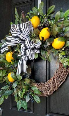 Informations About Lemon Wreath, Wreaths for Front Door, Spring Wreath, Front Door Wreath, Everyday Summer Door Wreaths, Wreaths For Front Door, Holiday Wreaths, Spring Wreaths, Winter Wreaths, Corona Floral, Watercolor Flower, Lemon Wreath, Deco Mesh Wreaths