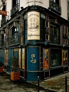 Lapérouse, mythical restaurant overlooking Seine & Île Saint-Louis since 1766, experienced icons of Paris literature like Guy de Maupassant, Emile Zola & Victor Hugo & still retains its original decor.