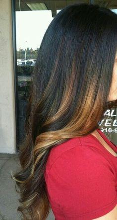 Peek a boo caramel highlights Balayage! Pretty Hair Color, Hair Color And Cut, Hair Styles 2016, Long Hair Styles, Hair Inspiration, Hair Inspo, Caramel Hair, Caramel Highlights, Balayage Highlights