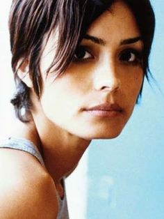 Still need three months at least to get those bangs. Beautiful Celebrities, Beautiful Actresses, Beautiful Females, Pixie Hairstyles, Pretty Hairstyles, Taurus Woman, Taurus Female, Taurus Taurus, Shannyn Sossamon