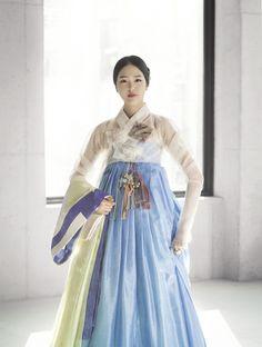 한복 Hanbok : Korean traditional clothes[dress] | #ModernHanbok Traditional Clothes, Traditional Fashion, Korean Traditional Dress, Modern Hanbok, Korea Dress, Oriental Dress, Dress Outfits, Dress Attire, Japanese Kimono