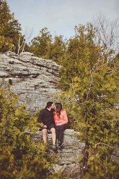Fun engagement photos, hiking, Bruce Peninsula, Tobermory - photo by New Vintage Media