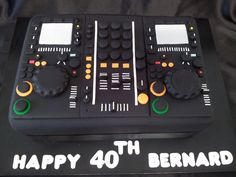 DJ Turntable and Mixer cake