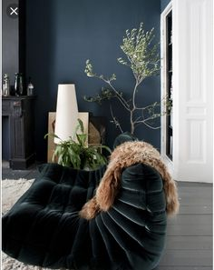 Dark Interiors, Colorful Interiors, Massage Room, Baby Massage, Living Room Paint, Living Rooms, Bedroom Styles, Interior And Exterior, Interior Design