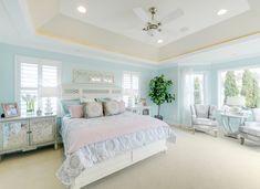 peaceful blue bedroom | Echelon Interiors