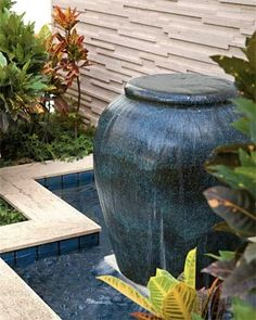 Clever putting it in a pool Lanscape Design, Bird Fountain, Backyard Water Feature, Water Walls, Water Features In The Garden, Garden Fountains, Dream House Exterior, Backyard Projects, Garden Projects